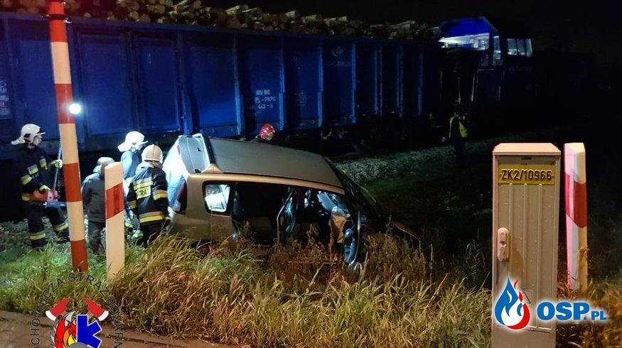 Wypadek na przejeździe kolejowym w Komprachcicach OSP Ochotnicza Straż Pożarna