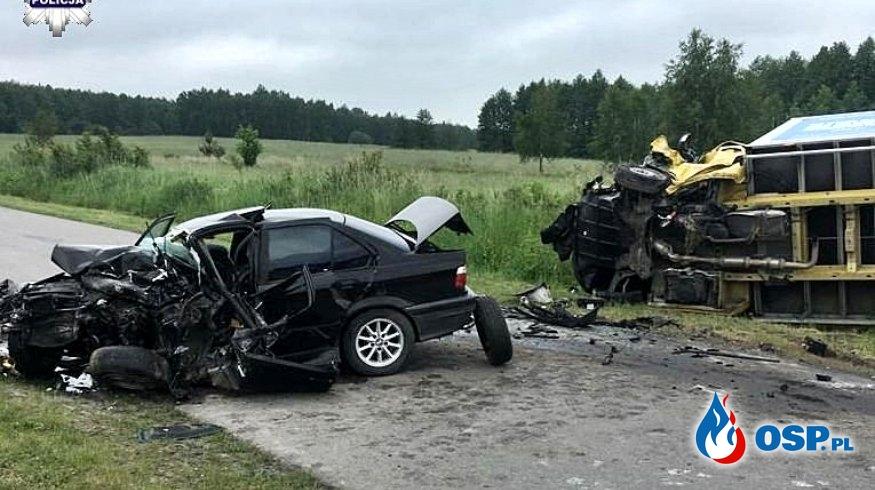 Wracali z matury, skończyło się tragedią. 19-latek zginął, trzy osoby ranne. OSP Ochotnicza Straż Pożarna