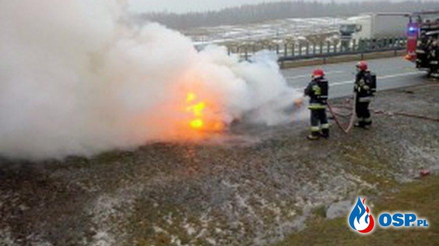 Palacy się samochód na A1 OSP Ochotnicza Straż Pożarna