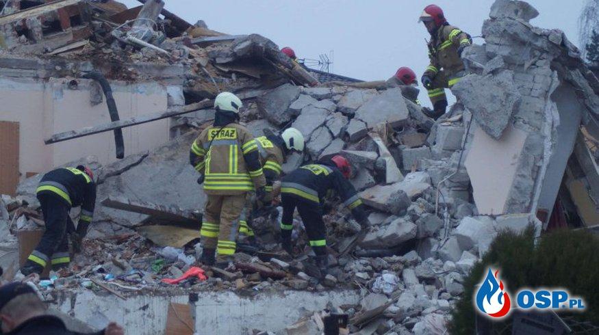 Dwie osoby zginęły pod gruzami domu w Puławach. Nad ranem wybuchł gaz. OSP Ochotnicza Straż Pożarna