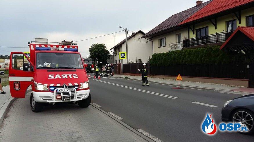 Wypadek motocykla z samochodem osobowym na DK52 w Biertowicach. OSP Ochotnicza Straż Pożarna