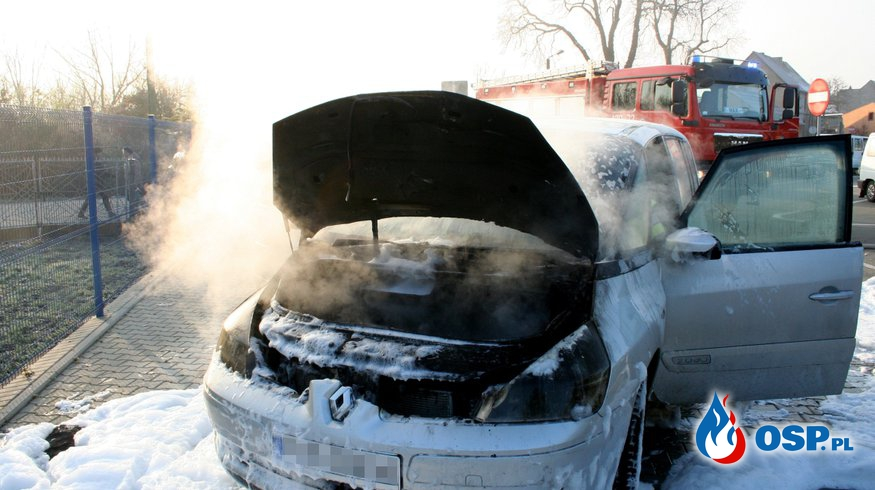 Pożar Samochodu w dzień Targowy!! OSP Ochotnicza Straż Pożarna