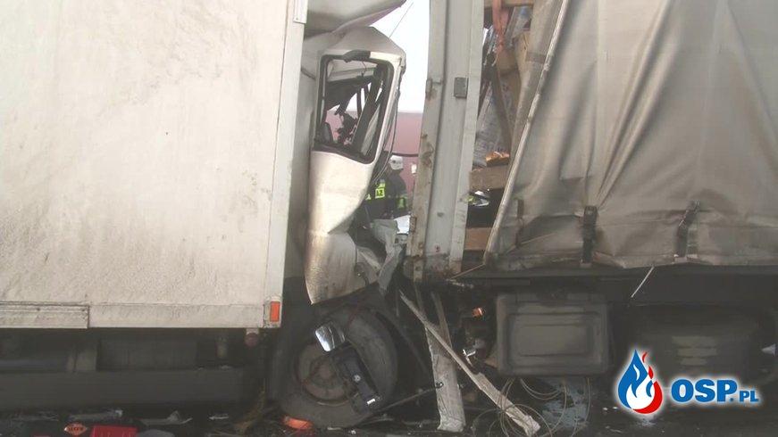 Dwa ogromne karambole na A1! 63 rozbite samochody, ponad 20 osób rannych! OSP Ochotnicza Straż Pożarna