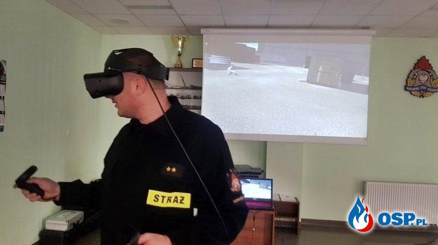 Wirtualna rzeczywistość sposobem na szkolenie w pandemii. Pilotażowy projekt w gorzowskiej komendzie. OSP Ochotnicza Straż Pożarna