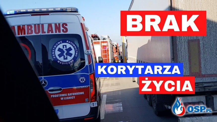 Strażacy i ratownicy medyczni utknęli w korku po wypadku na A4! OSP Ochotnicza Straż Pożarna