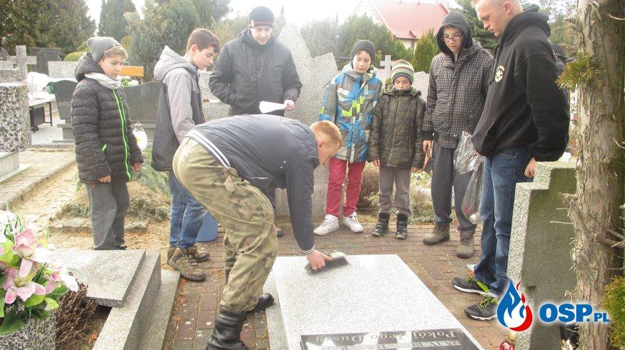 Dbamy o tradycje - wizyta MDP na cmentarzu. OSP Ochotnicza Straż Pożarna