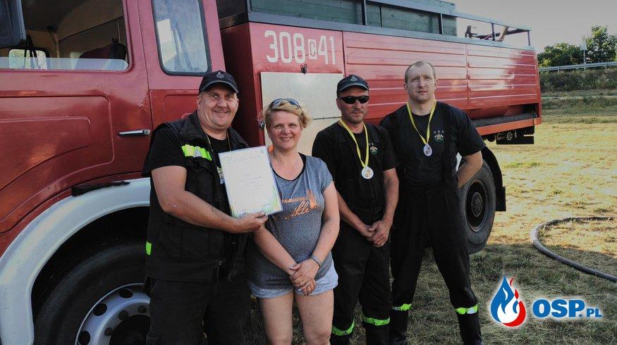 OSP Łochowo u pierwszaków na Dniu Dziecka OSP Ochotnicza Straż Pożarna