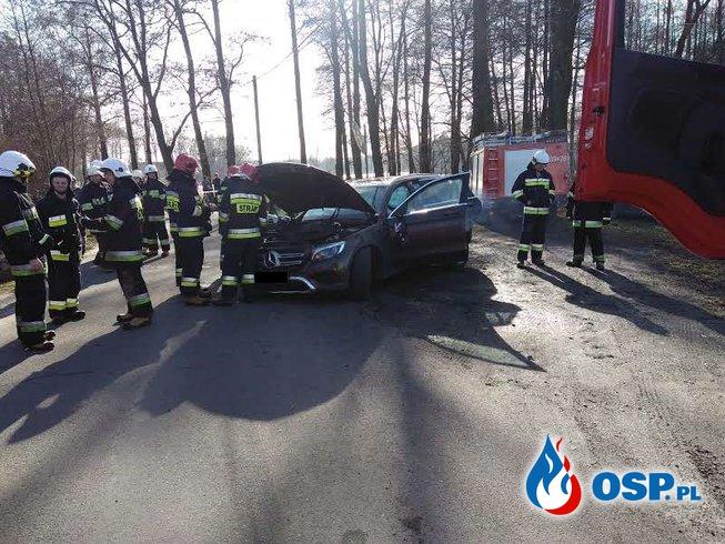 Kierująca straciła panowanie nad samochodem - dachowała OSP Ochotnicza Straż Pożarna
