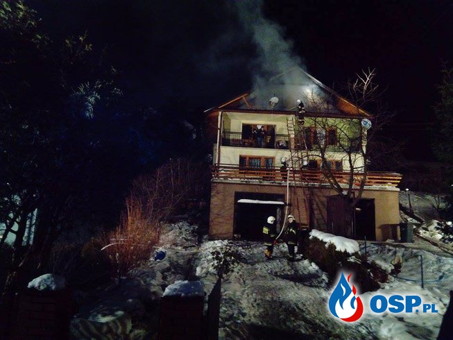 Pożar poddasza.  08.12.2016r. OSP Ochotnicza Straż Pożarna