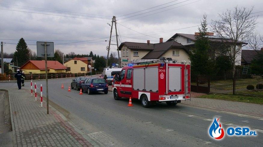 Zderzenie dwóch samochodów w Zręcinie OSP Ochotnicza Straż Pożarna