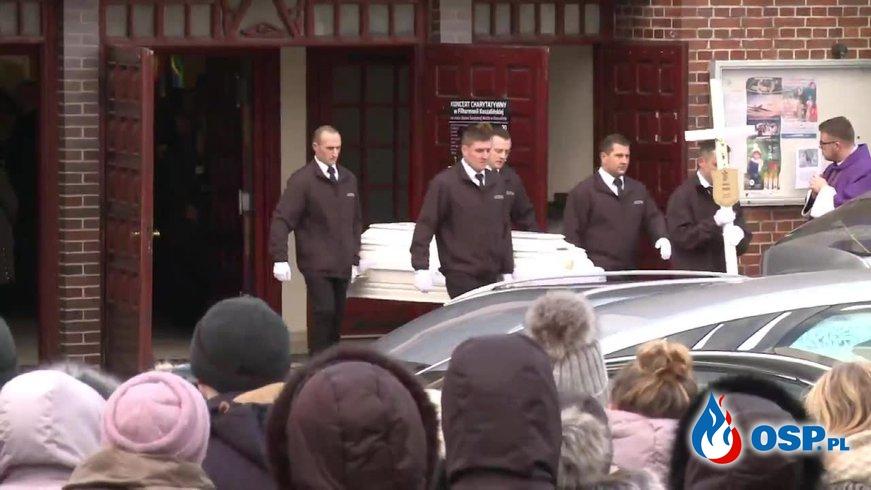 W Koszalinie odbył się pogrzeb 15-latek, które zginęły w pożarze Escape Room. OSP Ochotnicza Straż Pożarna