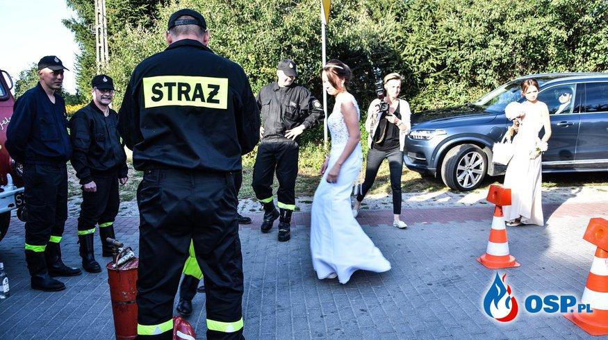 Brama weselna strażaka Grzesia i Kamili. 08.09.2018r. Cerkwica OSP Ochotnicza Straż Pożarna