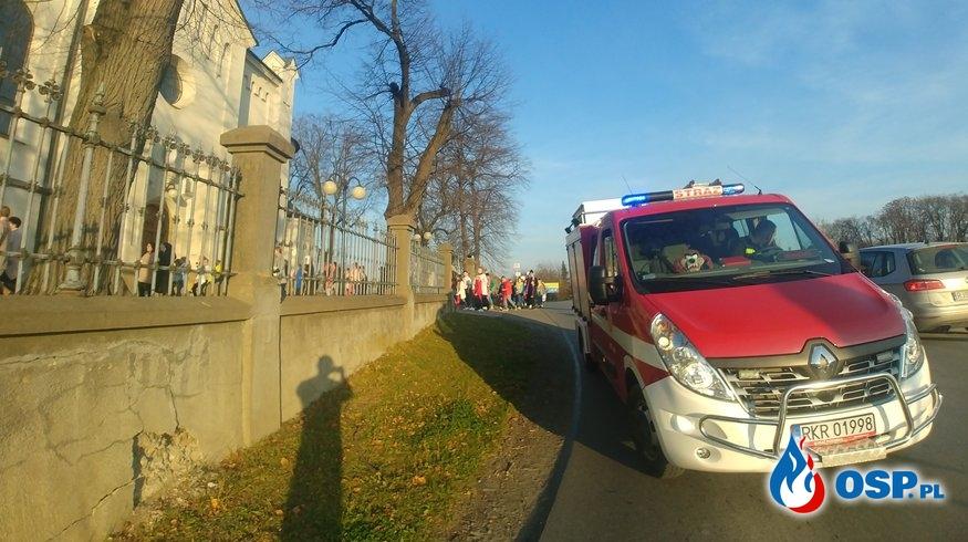 Zabezpieczenie trasy przemarszu II Orszaku Świętych w Zręcinie OSP Ochotnicza Straż Pożarna