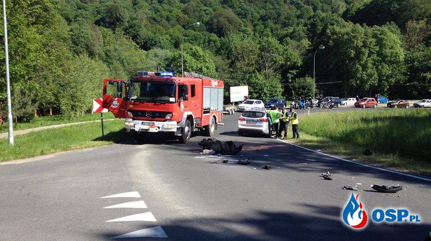 Pożar samochodu i zderzenie motoru z samochodem w Solinie OSP Ochotnicza Straż Pożarna