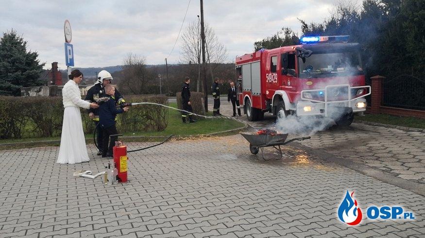 Brama weselna dla Dh Michała i żony Natalii 23.11.2019 OSP Ochotnicza Straż Pożarna