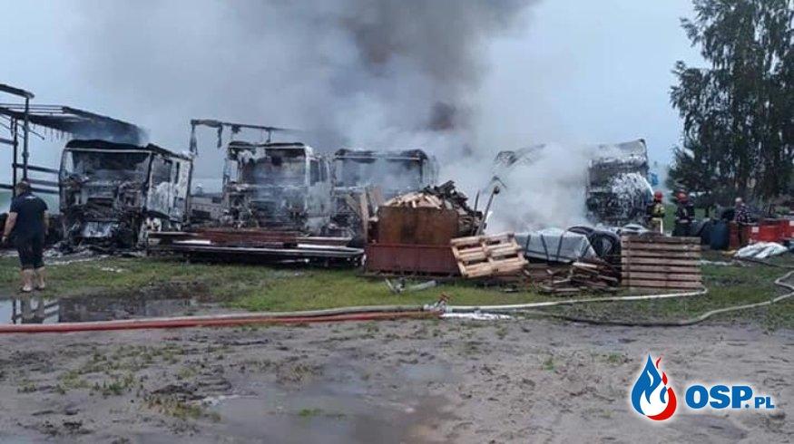 Pożar samochodów ciężarowych OSP Ochotnicza Straż Pożarna