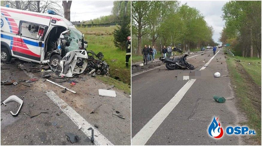 Audi rozpadło się na pół po zderzeniu z karetką, dwie osoby nie żyją OSP Ochotnicza Straż Pożarna