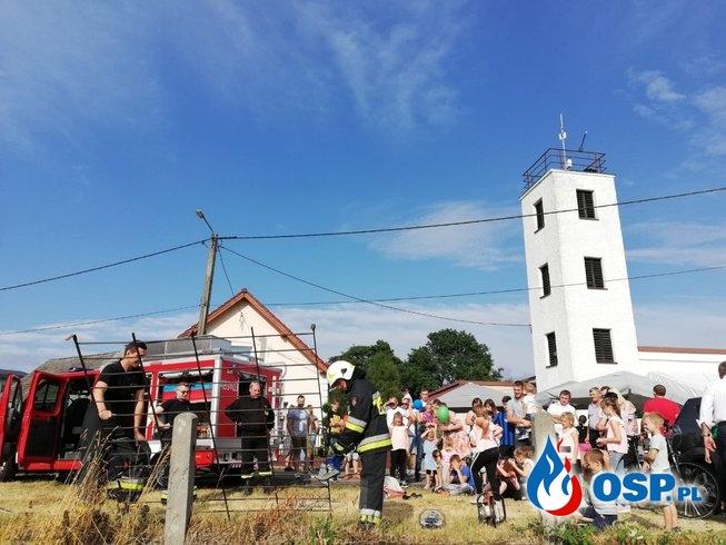 Pokaz sprzętu hydraulicznego i armatury wodnej na festynie w Radostyni OSP Ochotnicza Straż Pożarna