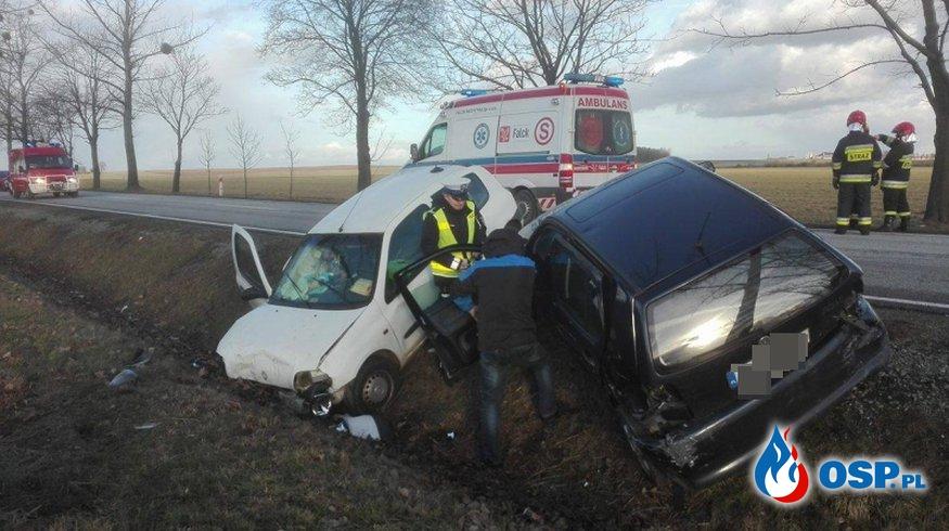 Trzy osoby ranne w wyniku zderzenia trzech pojazdów OSP Ochotnicza Straż Pożarna