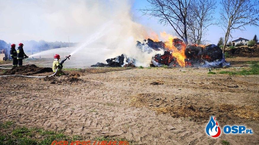 Pożar balotów słomy OSP Ochotnicza Straż Pożarna
