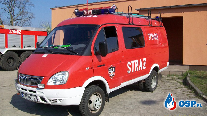 Plama oleju na drodze w Skwierzynie OSP Ochotnicza Straż Pożarna