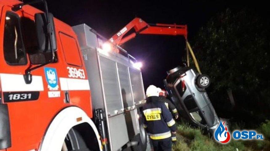 Dachowanie hondy pod Przemyślem. 5 osób trafiło do szpitala. OSP Ochotnicza Straż Pożarna