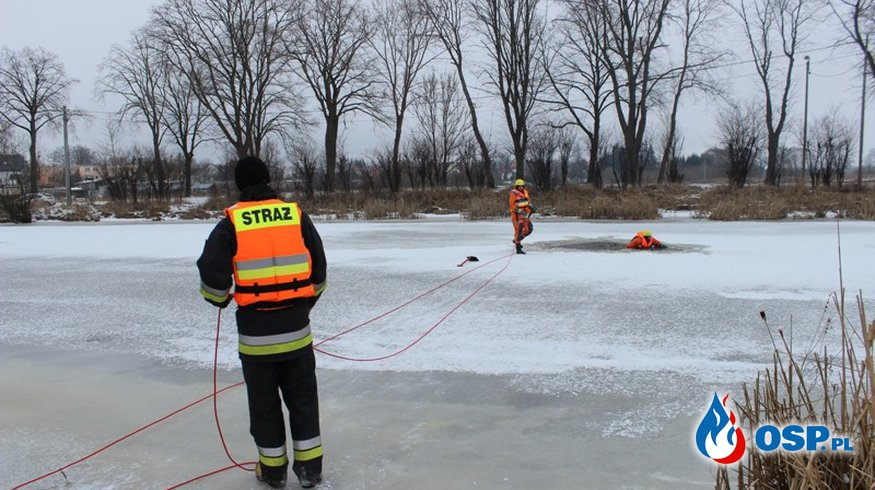 Ćwiczenia połączone z pokazem ratownictwa na lodzie. OSP Ochotnicza Straż Pożarna