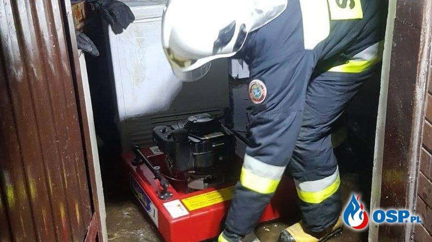 Zalane mieszkanie OSP Ochotnicza Straż Pożarna
