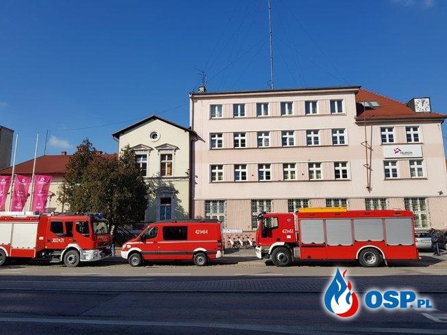 Podejrzana paczka w siedzibie Taurona w Opolu. Zaalarmowano strażaków i policję. OSP Ochotnicza Straż Pożarna