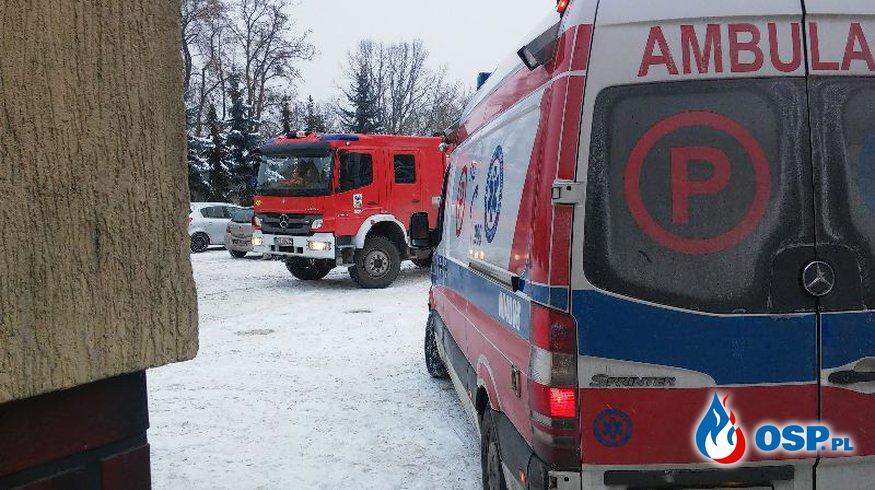 Strażacy z pomocą ratownikom medycznym OSP Ochotnicza Straż Pożarna