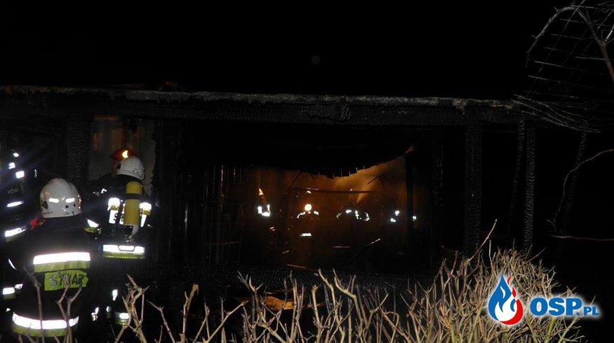 Pożar budynku gospodarczego w Winiarach. OSP Ochotnicza Straż Pożarna