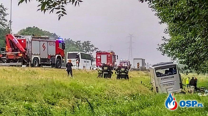 8 osób rannych po wypadku autokaru na autostradzie A4 OSP Ochotnicza Straż Pożarna