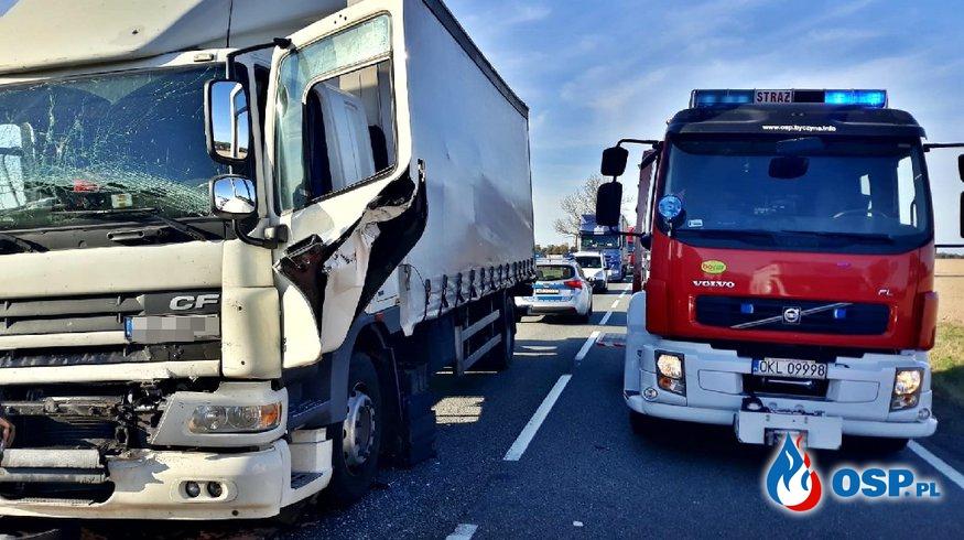 Wypadek dwóch ciężarówek na dk 11 OSP Ochotnicza Straż Pożarna