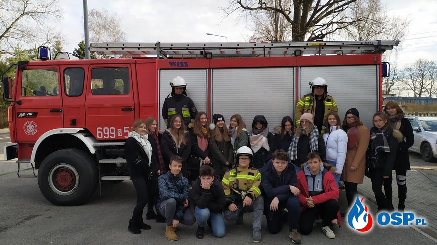 Wizyta młodzieży z Zespołu Szkolno-Przedszkolnego nr 11. OSP Ochotnicza Straż Pożarna