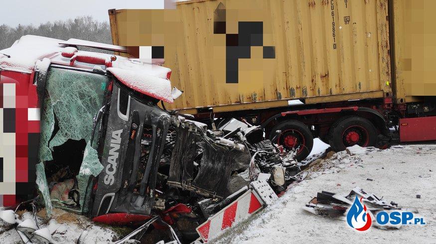 Wypadek autobusu z tirem na DK7 OSP Ochotnicza Straż Pożarna