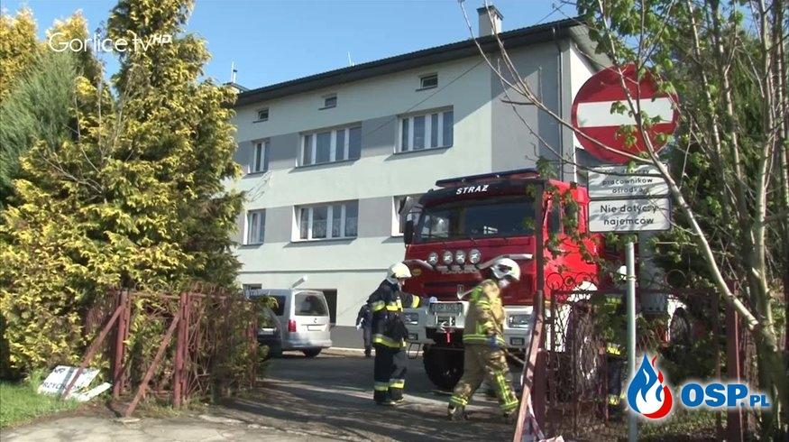 Dwóch nastolatków spadło z dachu. 17-latek zginął, 16-latek w szpitalu. OSP Ochotnicza Straż Pożarna