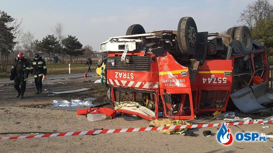 """Wypadek wozu bojowego OSP. """"Strażak-kierowca nie miał uprawnień"""". OSP Ochotnicza Straż Pożarna"""