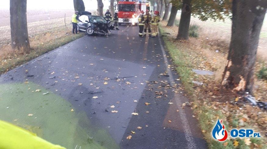 Wypadek samochodu osobowego koło Ostrowa OSP Ochotnicza Straż Pożarna