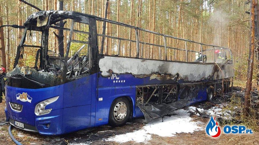 Pożar autobusu. OSP Ochotnicza Straż Pożarna