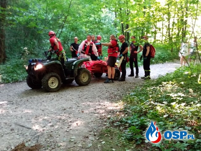 Kobieta spadła z wysokości w Dolinie Kobylańskiej. Trudna akcja ratownicza bez szczęśliwego finału. OSP Ochotnicza Straż Pożarna