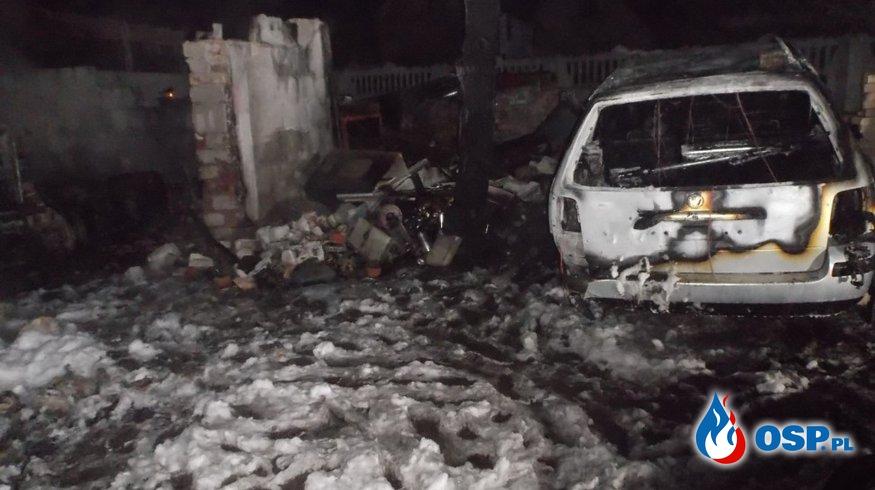Pożar ciągnika rolniczego w garażu w Przełazach. OSP Ochotnicza Straż Pożarna