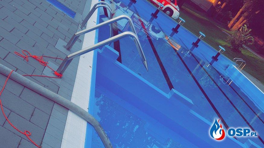 Ćwiczenia wodne na basenie w Białej OSP Ochotnicza Straż Pożarna