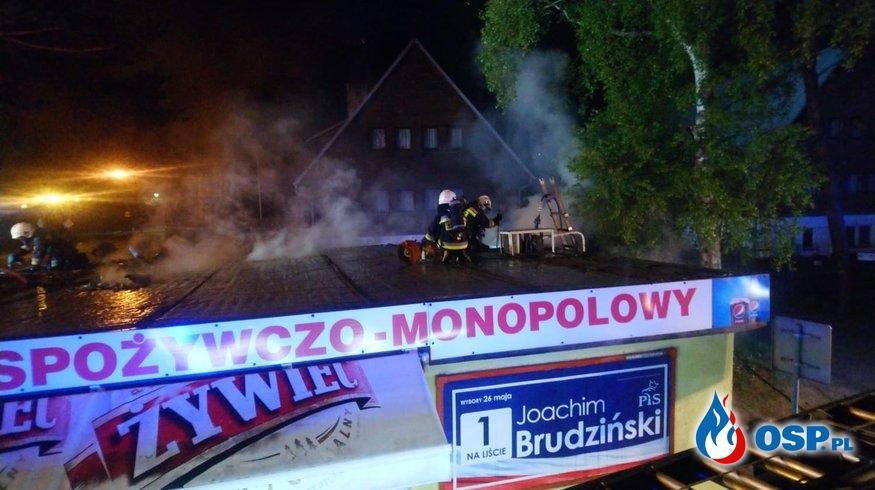 Pożar sklepu w Mrzeżynie (gm. Trzebiatów) OSP Ochotnicza Straż Pożarna