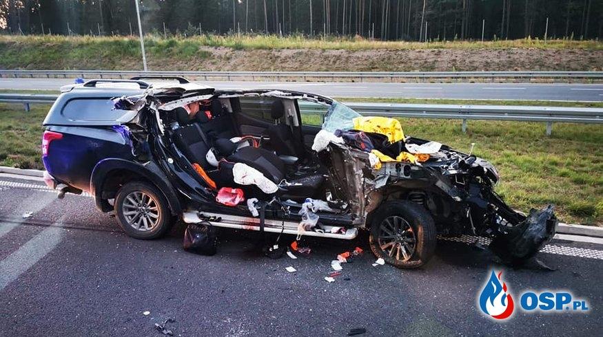 Tragiczny wypadek na S5. Kierowca prawdopodobnie zasnął za kierownicą. OSP Ochotnicza Straż Pożarna