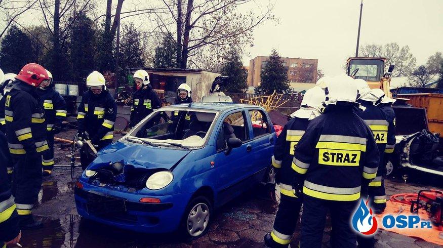 Ratownictwo drogowe-ćwiczenia OSP Ochotnicza Straż Pożarna
