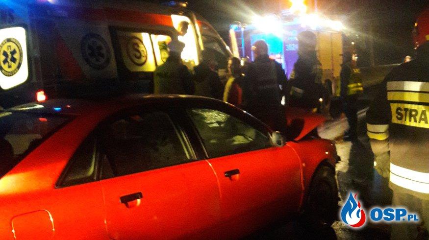 Noworoczne zderzenie czołowe na DW 977 w Siedliskach OSP Ochotnicza Straż Pożarna