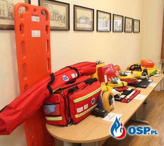 Sprzęt zakupiony z Funduszu Sprawiedliwości i Świąteczna niespodzianka OSP Ochotnicza Straż Pożarna