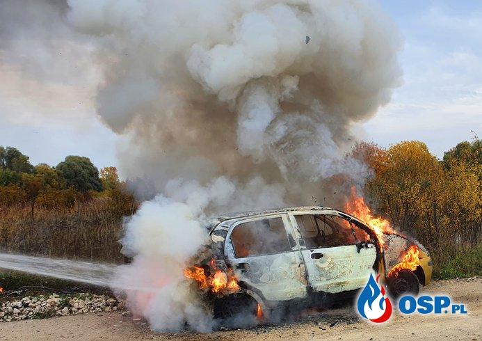 197/2020 Pożar samochodu OSP Ochotnicza Straż Pożarna