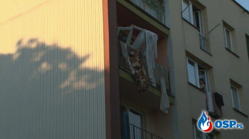 Wybuch piecyka gazowego w bloku. 68-latek trafił do szpitala. OSP Ochotnicza Straż Pożarna