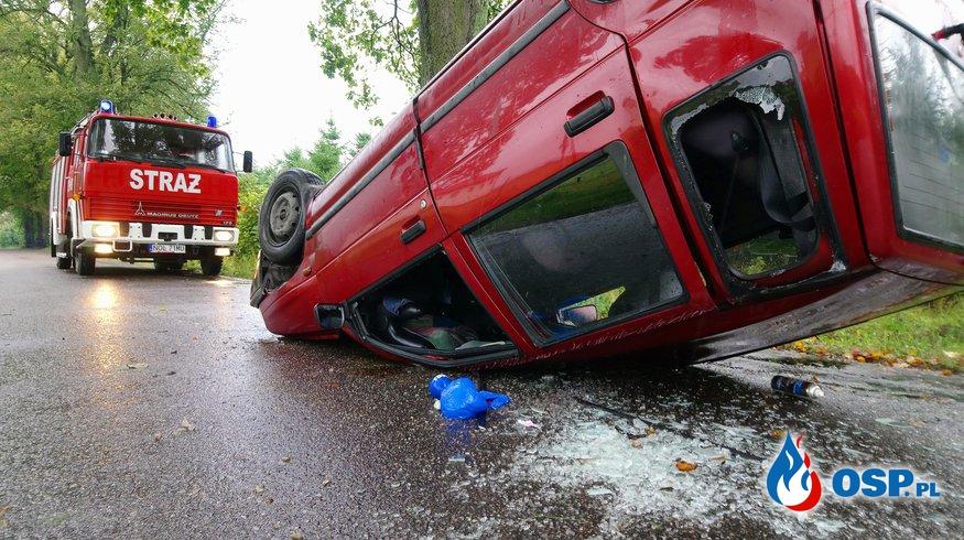 Dachowanie i zalana droga!  OSP Ochotnicza Straż Pożarna